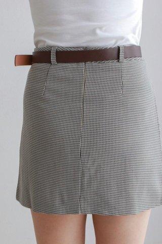 Chidori Button Short Skirt