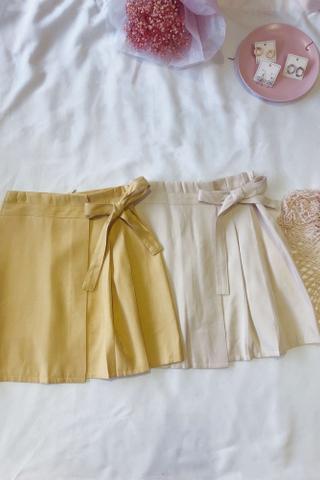 Ribbon Pleated Mini Skirt